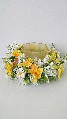 Dekorácie - Jarny kvetinovy svietnik - 11581055_