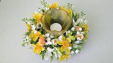 Dekorácie - Jarny kvetinovy svietnik - 11581076_
