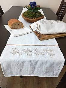 Úžitkový textil - Ľanová štóla s výšivkou - 11587350_
