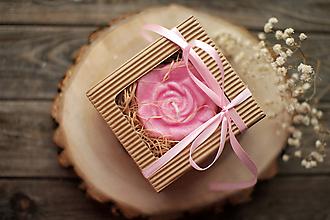 Svietidlá a sviečky - Dve ruže - sada sviec v darčekovom balení (Ružová) - 11584743_