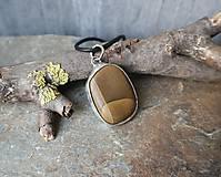 Náhrdelníky - Pokoj - cínovaný prívesok s kameňom - 11586429_