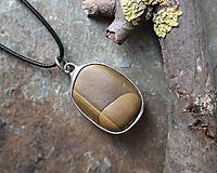 Náhrdelníky - Pokoj - cínovaný prívesok s kameňom - 11586430_