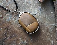 Náhrdelníky - Pokoj - cínovaný prívesok s kameňom - 11586431_