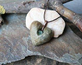 Náhrdelníky - Tajný poklad (kamenný prívesok s fluoritom) - 11585575_