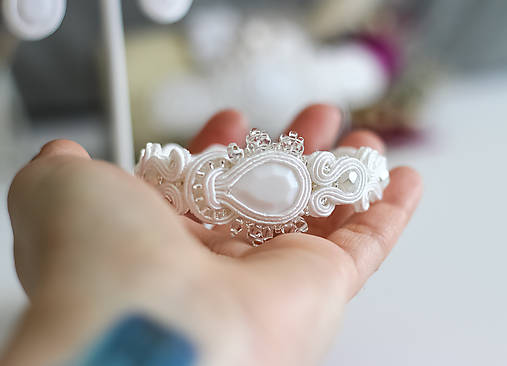 Svadobný šujtášový náramok Valentína