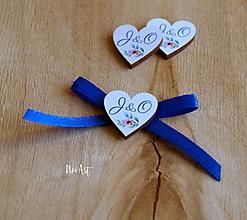 Pierka - Svadobné pierka s mašličkou modrou, farebné srdiečka - 11593388_