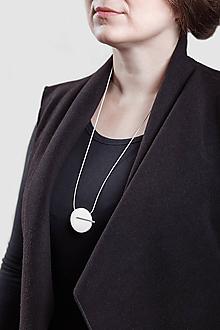 Náhrdelníky - Minimal náhrdelník (Biela) - 11591173_