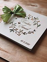 Svadobná kniha hostí, drevený fotoalbum - Venček zelený