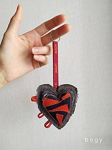 Kľúčenky - srdce na dlani, recy přívěsek na klíček 5 - 11595656_