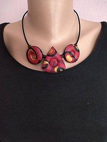 Náhrdelníky - Dutý červený náhrdeľník - 11596737_