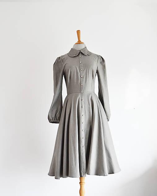 Košeľové šaty s dekorovaným golierikom