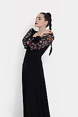 Šaty - Šaty dlhé Joy čierne s vyšívanými rukávmi - 11604421_