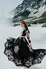 Šaty - Čierne vyšívané šaty Poľana - 11604265_