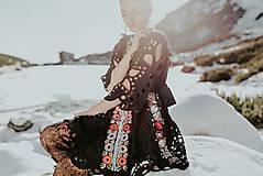 Šaty - Čierne vyšívané šaty Slovenské devy - 11604300_