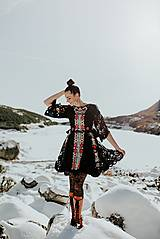 Šaty - Čierne vyšívané šaty Slovenské devy - 11604301_