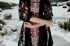 Šaty - Čierne vyšívané šaty Slovenské devy - 11604303_