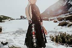 Šaty - Čierne vyšívané šaty Slovenské devy - 11604305_