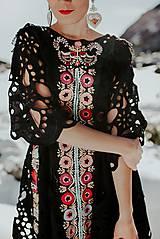 Šaty - Čierne vyšívané šaty Slovenské devy - 11604306_