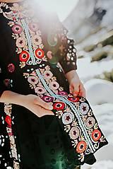 Šaty - Čierne vyšívané šaty Slovenské devy - 11604308_