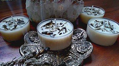 Svietidlá a sviečky - ČAJOVÁ BYLINKOVÁ SVIEČKA - BIELA ŠALVIA - 11603263_