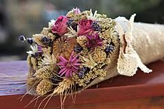 Sušená kytica s ružami
