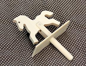 Hračky - Drevené hračky. Koník drevený - klapák - 11605879_