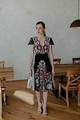 Šaty - vyšívané šaty Poľana - 11608928_