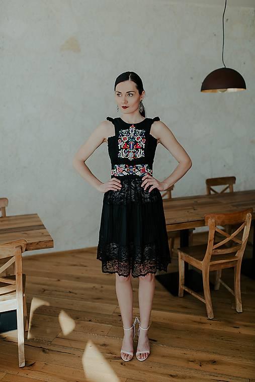 Šaty - krátke šaty s plisovaním Slovenské devy - 11609065_