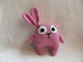 Hračky - Malý háčkovaný zajačik - netradičný :-) - 11607380_