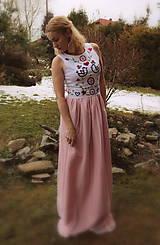 Šaty - Ručne vyšívané plesové šaty - 11606746_