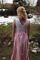 Šaty - Ručne vyšívané plesové šaty - 11606748_
