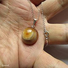 Náhrdelníky - Achát - čočkovitý medailon na stříbrném řetízku - 11611319_