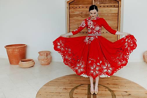 červené madeirové šaty Poľana