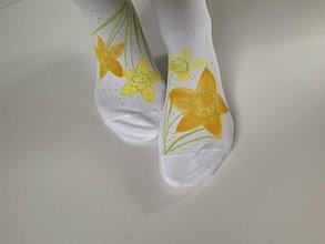 Obuv - Maľované kvetinkové ponožky (Narcisové 1) - 11614318_