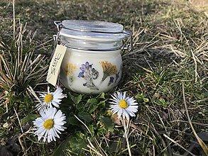Svietidlá a sviečky - Krásna, jazmínová a zdravá - 11615136_
