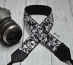 Iné doplnky - Popruh na fotoaparát - Černobílá abstrakce - 11616352_