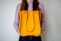 Veľké tašky - Ručne šitá kožená kabelka Sunny - 11615338_