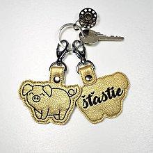 Kľúčenky - Prívesok prasiatko (pre) šťastie - 11618574_