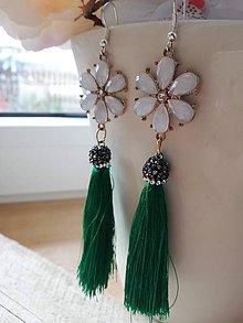 Náušnice - Zelený strapec a kvietok - 11618099_