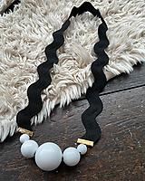Náhrdelníky - Originální černobílý náhrdelník - 11618061_