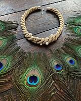 Náhrdelníky - Béžový pošitý perlami - 11618073_
