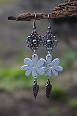 Náušnice - Biely kvet - 11617532_