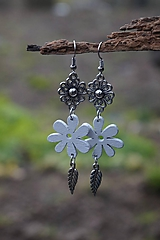 Náušnice - Biely kvet - 11617534_