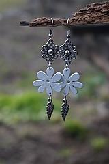 Náušnice - Biely kvet - 11617538_