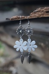 Náušnice - Biely kvet - 11617544_