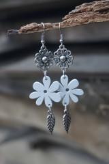 Náušnice - Biely kvet - 11617545_