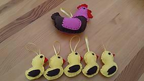 Dekorácie - Veľkonočná sliepka a kuriatka - 11618114_