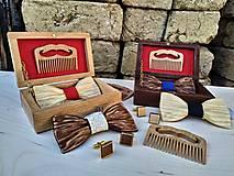 Doplnky - Drewomil set (drevený motýlik,hrebeň,manžety,krabička) - 11621266_