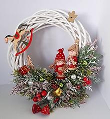 Dekorácie - Vianocny rozpravkovy veniec - 11620439_