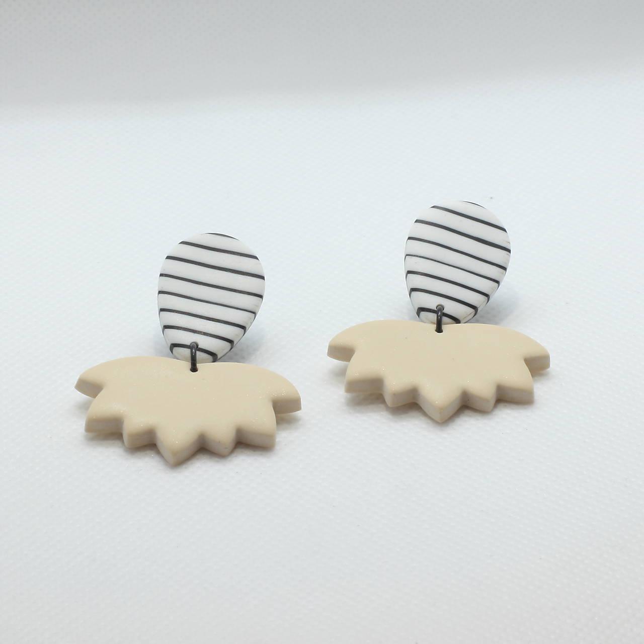 Náušnice - Pásikavé náušnice - krémová perleť - 11618635_